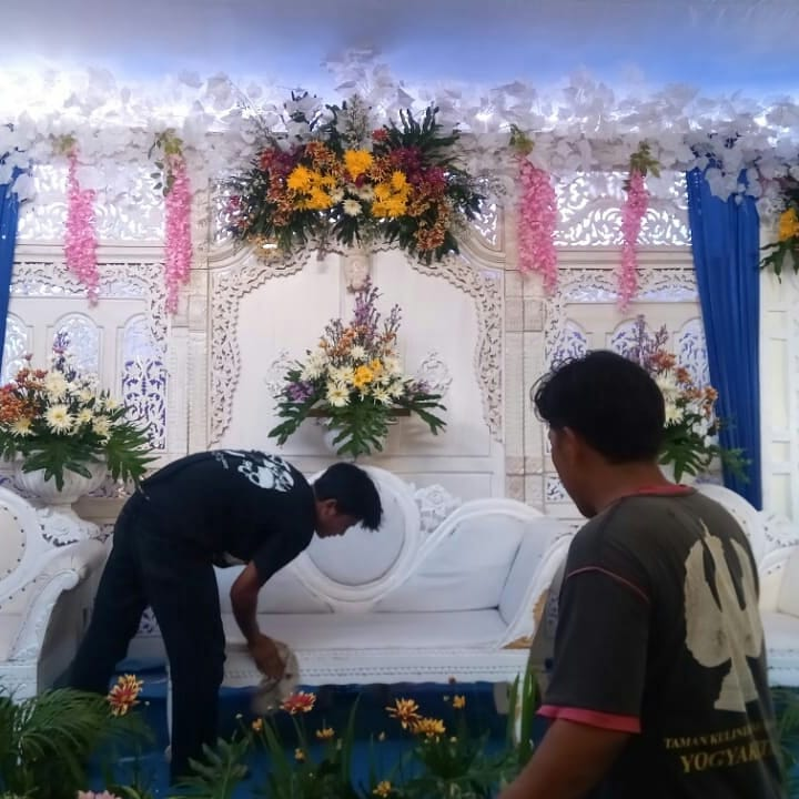 Dekorasi Pernikahan Wedding Modern Putih di Wilayah Sleman  Yogyakarta WA 087838432001